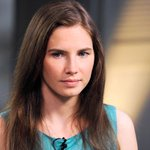 Amanda Knox has been cleared of murder charges by the Italian court: http://t.co/TsQVwhZg0C http://t.co/ya7362IY8O