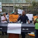 Organizaciones populares de SFM advierten manifestaciones podrían prolongarse hasta que el alcalde renuncie. http://t.co/uC5h5OXWZE