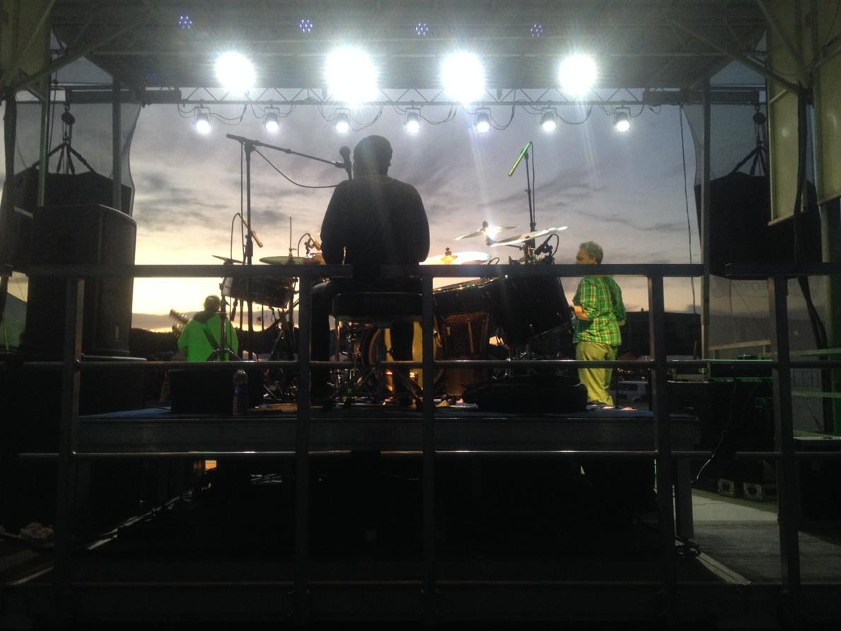 Its @TimReynoldsTR3 RAWKIN OUT @SlideIntoSpring Festival w/ @DanMartierTR3 @MickVaughnTR3 Fernandina Beach FL PEACE http://t.co/Z0W7JlLOAg