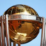"""""""@Geelong_Mayor Who will lift this trophy tomorrow at the @MCG? RT for #AUS FAV for #NZ #AUSvNZ http://t.co/pgH9f3n7sT"""""""