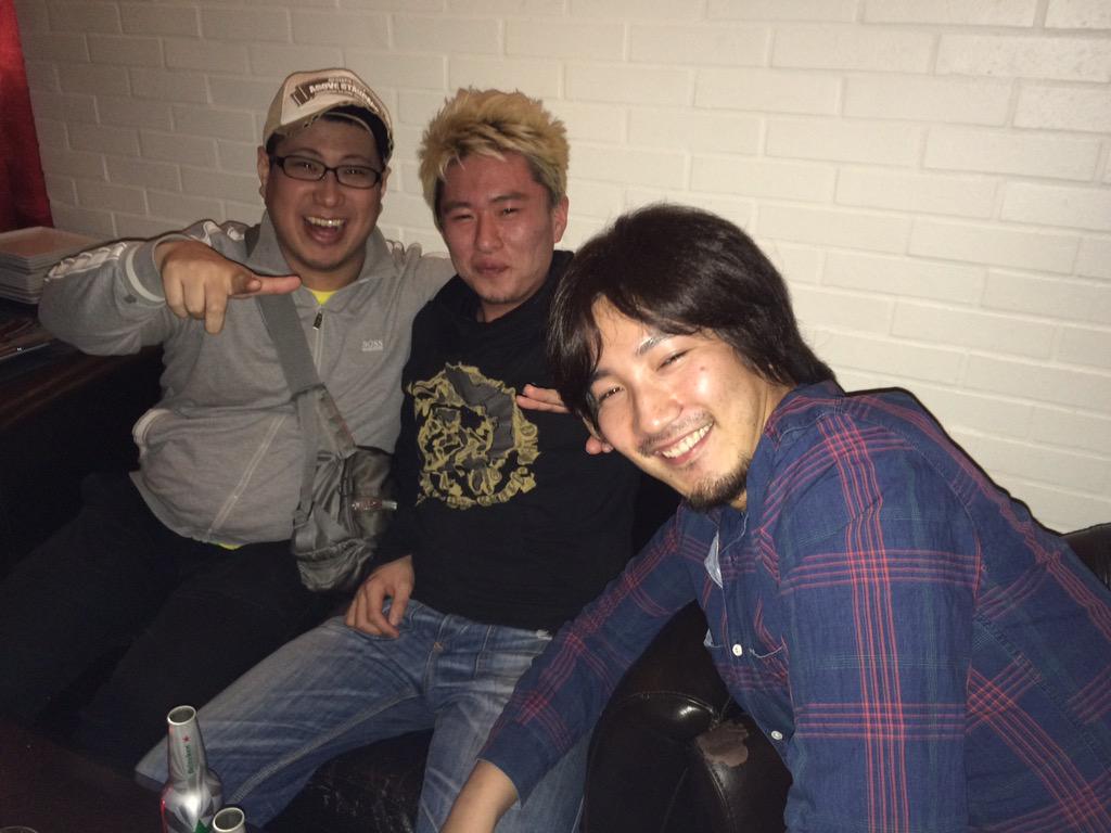 こくじん (@kokujind): 前夜祭での一コマ http://t.co/A2iLGEgU91