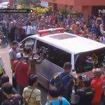 Mobil jenazah yg mengangkut Alm. Olga Syahputra sudah berangkat menuju rumah duka. #RIPOlgaSyahputra http://t.co/5oKPhXVTpl