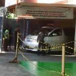 Detik-detik Kedatangan Jenazah Olga Syahputra http://t.co/6huzWcT2YL http://t.co/dIDqeSsIEb