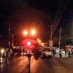 Afectación vial desde UNACH por bloqueo de transportistas a la altura de Los Laureles, tome vías alternas. #Tuxtla http://t.co/kUTTbVmceB