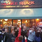 A bunch of met students Timmering outside a great BBQ spot in Des Moines. @reedtimmerTVN http://t.co/klDG4EofYp