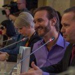 Встреча @nickvujicic с членами ОПРФ и представителями общественных организаций http://t.co/dDUlJIaM0R