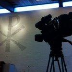 Presentatie van Koningsbrood in Andreaskerk. Brood en kerk? @rtvdordrecht doet verslag. http://t.co/MhZcujSHLb