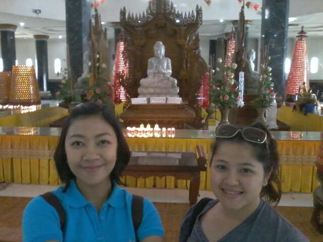 Wisata ke Pagoda Lumbini di Berastagi.. kereeenn.. #LEPAS975FM @TX_TRAVEL @MOTION975FM http://t.co/qNqrezi2Ck