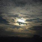 Sol quer aparecer no céu de Santa Maria! Foto da Fx. Nova de Camobi. Muito bom dia! #gauchahoje @GauchaSM http://t.co/kJghfWWVd3