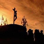 Paixão de Cristo - Confira programação das paróquias de Goiânia para a Semana Santa http://t.co/yLfvpLdAJF http://t.co/Hg9xxsSJzR