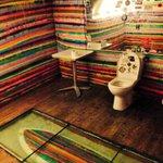 Le Santosha, le restaurant de @Bordeaux avec les toilettes les plus géniales. http://t.co/NzniyolP9x
