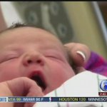Pa. State Trooper helps deliver baby at Sheetz gas station http://t.co/F0FvaKZtUT http://t.co/0BB6EMIiZW