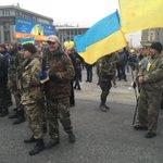 #Днепропетровск много солдат из добровольческих батальонов http://t.co/4S7nReLgmM