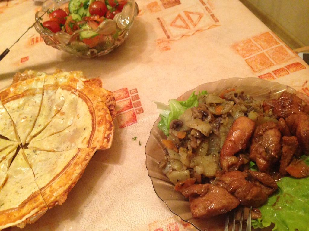 Салат курица с грибами с черносливом