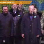 """Ви всі також герої - хто допомагав пораненим, хто привозив ліки"""" #Дніпропетровськ (НАЖИВО)►http://t.co/hmcg8uhZed http://t.co/vNRB92Du9X"""