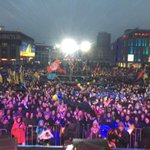 Днепропетровск, площадь Героев Майдана - сейчас! Многотысячный митинг днепрпетровцев в по... https://t.co/eZM1ApTD56 http://t.co/cpxuX7TpPg