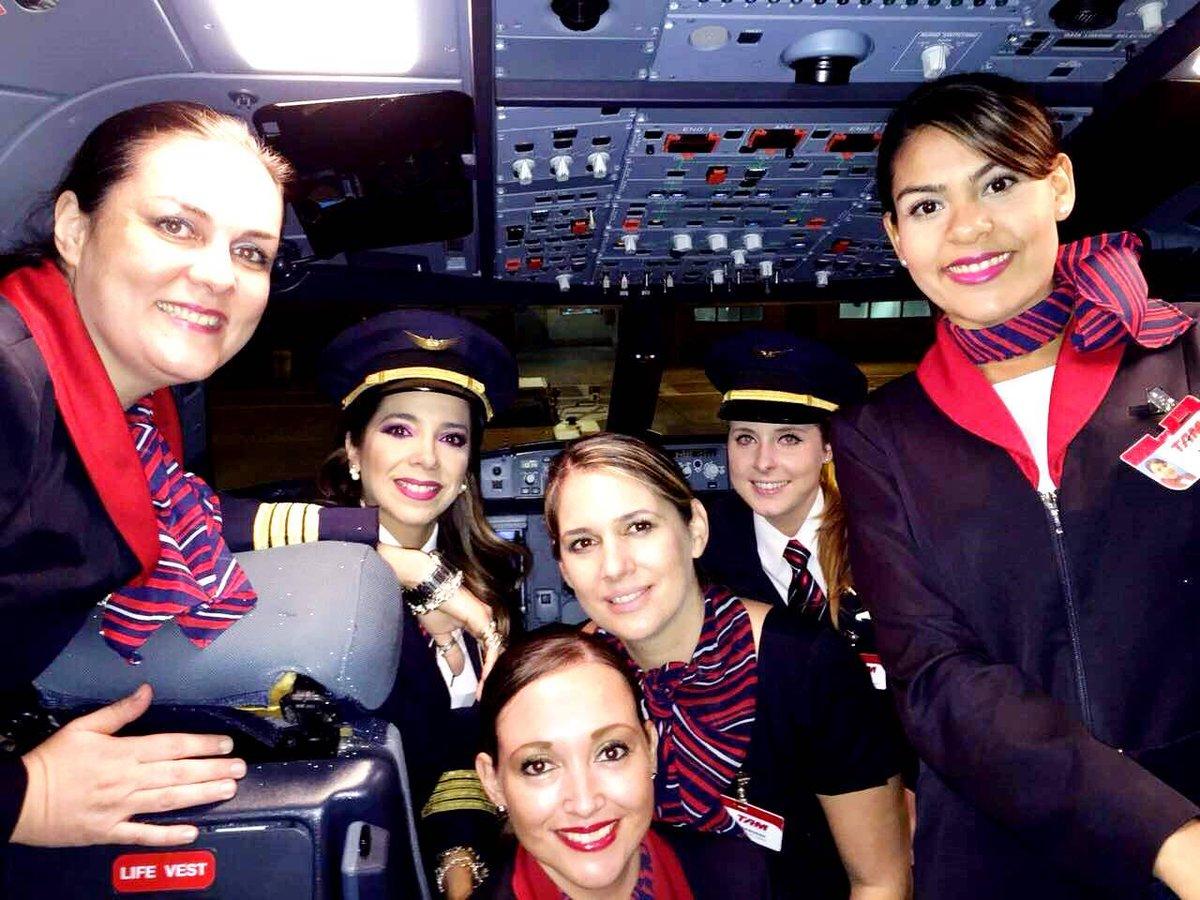 Histórico vuelo tripulado por mujeres paraguayas  http://t.co/cp38417qFL @TAMAirlines http://t.co/so0KA7FxpV
