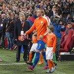 Jasper #Cillessen speelt met Oranje gelijk tegen Turkije: 1-1. http://t.co/Nd5AZzA8HT #nedtur