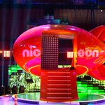 Blimps are awards, but they can also be a small home with a stairwell? See who lives here at 8/7c! #KCA http://t.co/KV43Ap2mlI