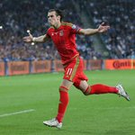 Gareth Bale is now Wales all-time top scorer (8) in the Euros, having surpassed Ian Rushs (7) record. http://t.co/ex3yWgqycO