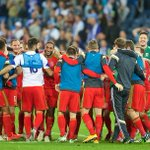 The #Wales players celebrate a famous 3-0 victory over #Israel #ISRvWAL #TogetherStronger http://t.co/Sdq0tx37la