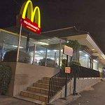 """Quem nunca?! """"@folha:Mulher que atirou no McDonalds após receber lanche sem bacon é condenada http://t.co/E7l7whmTnX http://t.co/Fy1KkeKhkS"""