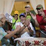 LA FOTO | Ellos firmaron y defendieron la soberanía del país. La campaña continúa y ahora es Casa por Casa ¡Únete! http://t.co/gzmr06Lvzm