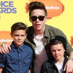 Brooklyn Beckham wins the best older brother award! He took his little bros to the #KCAs! http://t.co/sLnMCRf9lY http://t.co/6F5EU72ntN