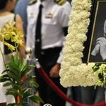 Bagpipes and orchids - Uniquely Singaporean send-off for Lee Kuan Yew: http://t.co/nJlrGpl7Qd http://t.co/TyM0QjeWDr