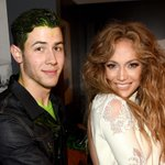 .@JLo avoided getting slimed at the #KCAs tonight and @Nickjonas almost got her dirty! http://t.co/7RDIpqrrZH http://t.co/7dGsBNQuQE