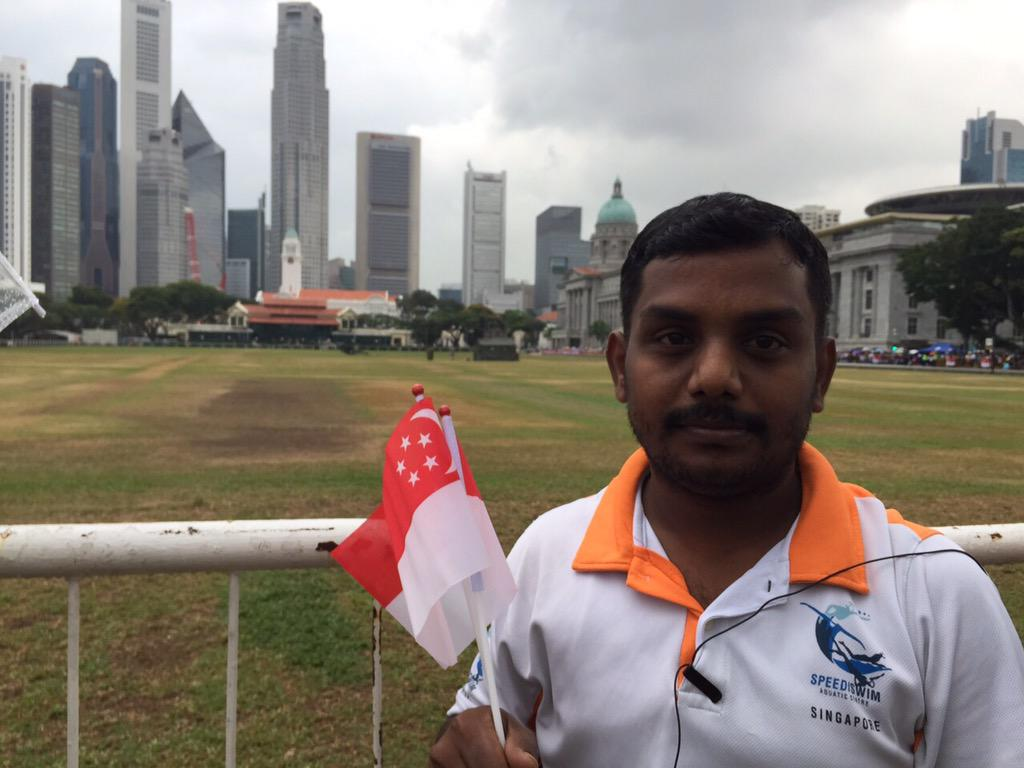 Indian foreign worker @ Padang since 7am ; W/out LKY, no big buildings and no jobs for him, he said #RememberingLKY http://t.co/tGZJHXFyMI