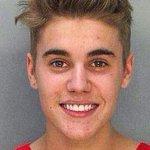"""Miami 2014 - Miami 2015 #askbelieber http://t.co/TAHjFYDCs1"" corre que é granada""DEUS É BOM"