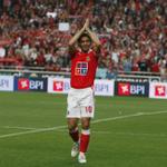 Hoje o Maestro faz 43 anos. Parabéns, Rui Costa! http://t.co/zfxcNrwZyx