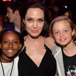 Angelina Jolie is in the front row at the #KCAs with her daughters Shiloh & Zahara! See pics: http://t.co/JU0BVyakPI http://t.co/LKD3DGrnjv