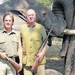 Hostilidad la hace tu rey q gasta millones matando animales mientras tu pueblo muere de hambre---> @_aleandrade_ http://t.co/Da9hm4OwXD