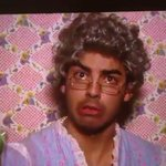 We bring you ... Grandma Joe!???? http://t.co/jSoSevgFiY @joejonas #KidsChoiceAwards ???? http://t.co/i36dA9LfX7