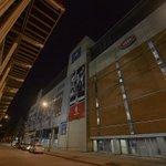 Toutes les lumières à lextérieur du Centre Bell sont éteintes pour lHeure de la terre. Comment participez-vous? http://t.co/r4dpAQgaHw
