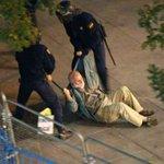 #LeyMordaza: Aquí veras dos delitos, el anciano por resistirse, y el que hizo la foto #UTNWillyToledo #L6Njusticia http://t.co/COFJKRlKAN