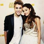 Qual música vocês sonham em ver o Justin e Ariana cantando? espondam com a tag #41BieberManianaZonaLivreFM http://t.co/y48ikEFiiD
