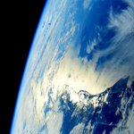 Good night from #space. Buona notte dallo spazio. http://t.co/XOxZs8QI3m