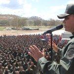 Escudo Bolivariano 2015 movilizó 60 mil hombres comprometidos con la Patria http://t.co/Qiie1bDwGI http://t.co/eFo2CQVnG3