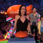 "Emotional #AngelinaJolie Tells Children ""Different Is Good"" #KCA http://t.co/yi3gnqNQcx http://t.co/GpboLh9JNC"