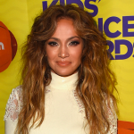 Holy @JLo! We cant get enough of her white hot #KidsChoiceAwards style! http://t.co/cUbv69ZBzD http://t.co/86qpTxXOqd