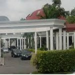 Jonathan loses at Presidential Villa polling units  http://t.co/GwaFhIF4O1 #NigeriaDecides #Nigeria2015 http://t.co/hugi6ZbPa0