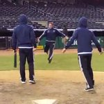 .@SportingKC re-enacts George Bretts famous pine-tar incident at Yankee Stadium: http://t.co/O7PtQV8dur http://t.co/SYyCY284Ny
