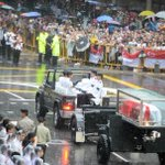 Large crowds brave heavy downpours for state funeral of Singapores Lee Kuan Yew http://t.co/1prQ3KmHSr http://t.co/ysGra4YMRB