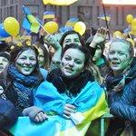 В Днепропетровске прошел митинг «Днепр за Украину» - Днепр Инфо http://t.co/icxTs2jS6u http://t.co/W5PlXMhG5R