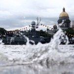Балтийский флот впервые за 30 лет проведет на Неве парад Победы с участием боевых кораблей http://t.co/OeneMnfUMi http://t.co/Yr0QBYejQO