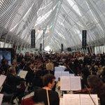 L Opéra Orchestre en fête en gare de Montpellier cest maintenant ! #oef2015 http://t.co/VpBq7PWHEY