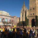 @DexeusMujer ahir el nostre #flashmob a #Barcelona va ser tot un èxit #EndoMarch2015 http://t.co/jvhkkjSgJv http://t.co/qGxYMi5Dme